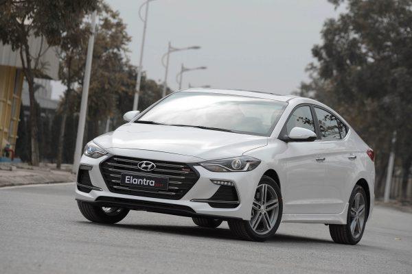 xe Hyundai Elantra Sport