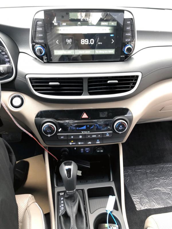 nội thất xe tucson facelift 2019