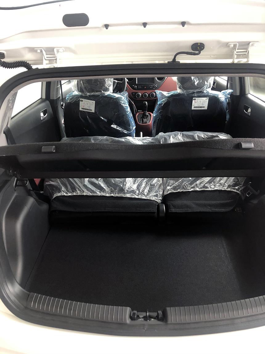 khoang chứa đồ của xe