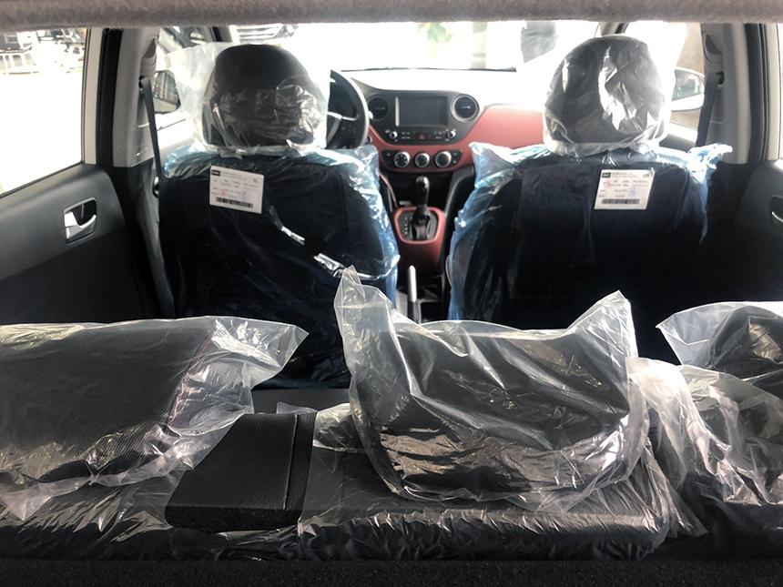 hàng ghế của xe i10 1.2AT hatchback